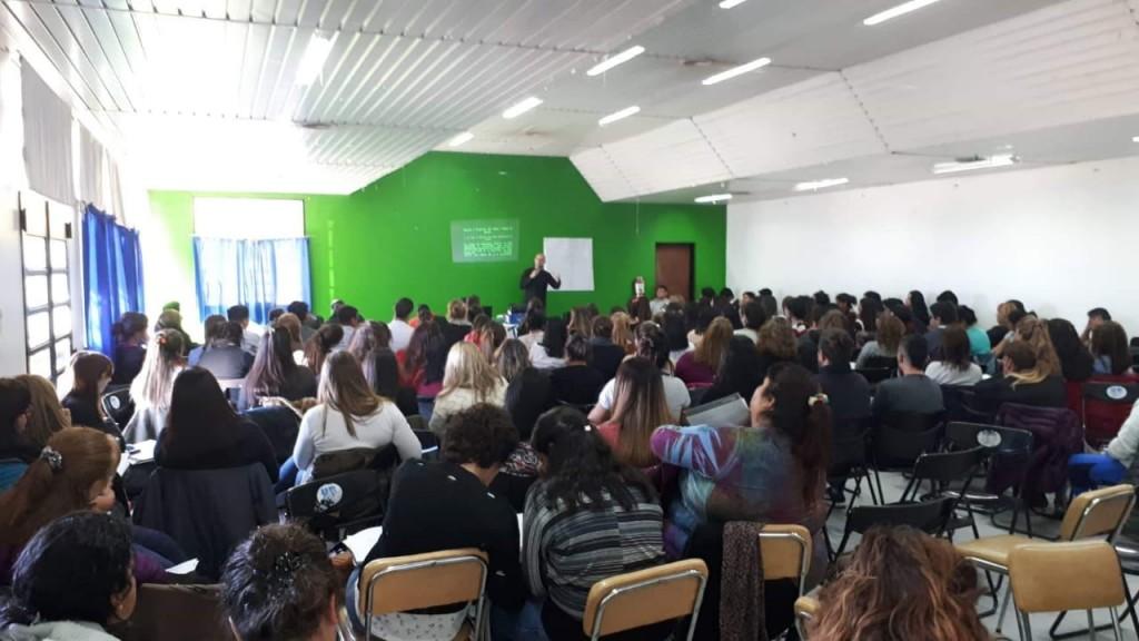 ESI: más de 200 docentes se capacitan por iniciativa del sindicato UnTER